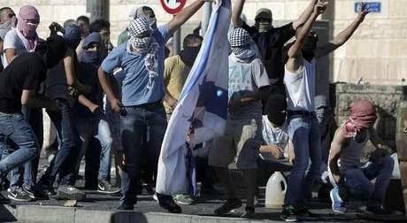 Jerusalem Palestinians Riot after Teen Shot by Police Dies — Naharnet