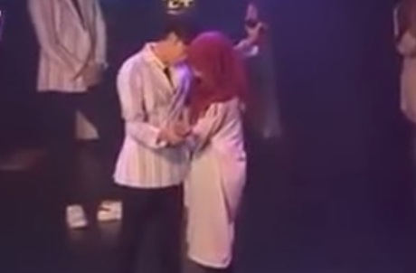 Malaysian Girls Who Hugged K Pop Band Threatened With Arrest Naharnet