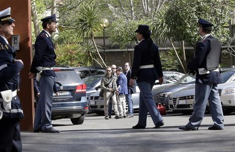 Killing of 5 Egyptians Deepens Mystery over Italian's Death