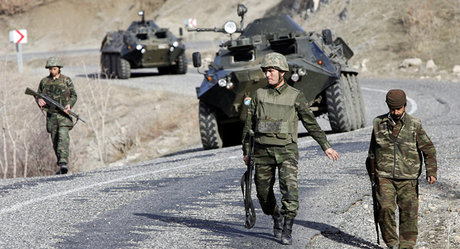 Turkey Detains Two Greek Border Patrol Soldiers — Naharnet