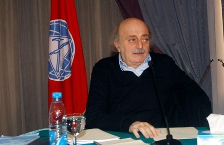 Jumblat Rejects 'Political Maneuvering' over 1960 Law until Agreement on New One is Reached